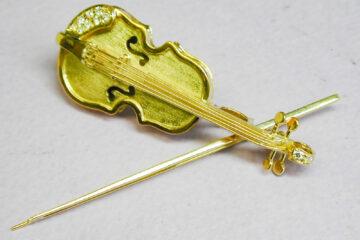 ヴァイオリンブローチ