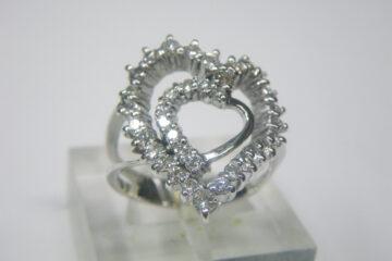 ダイヤモンド ダブルハートリング