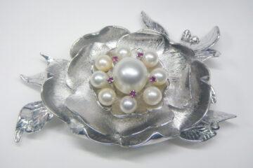 真珠・ルビー牡丹の花