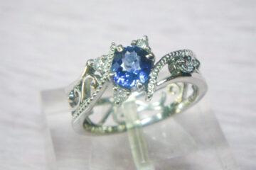 サファイヤ&ダイヤモンドの唐草リング